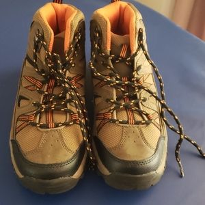 Boys Cherokee Hiking Boots - Size 4- Excellent